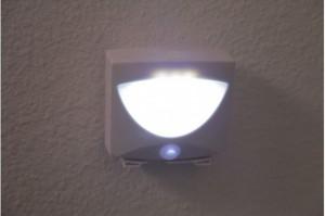 фото Светодиодная лампа Mighty Light c датчиком движения #5