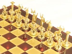 фото Шахматы 'Титаны' в деревянном футляре (красные) #2