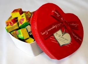 фото Жвачки 'Love is' в в коробочке, большие #3