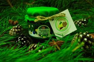 Подарок Варенье из еловых шишек (новогоднее оформление)