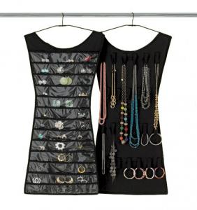 Маленькое платье - органайзер для украшений