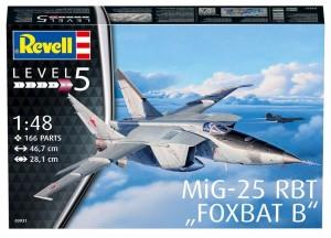 Сборная модель Revell 'Советский самолет-разведчик MiG-25 RBT Foxbat B' 1:48 (03931)