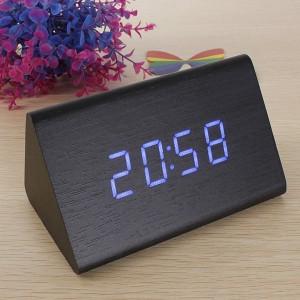 Подарок Часы цифровые светодиодные 'Треугольник'