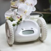 Подарок Убегающий будильник на колесиках белый (top-281)