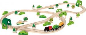 Набор железной дороги Hape 'Лесное приключение' (6943478015241)