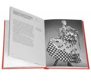 фото страниц 50 платьев, которые изменили мир #2