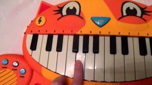 фото Музыкальная игрушка Battat 'Котофон' (BX1025Z) #3