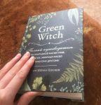 фото страниц Green Witch. Полный путеводитель по природной магии трав, цветов, эфирных масел и многому другому #4