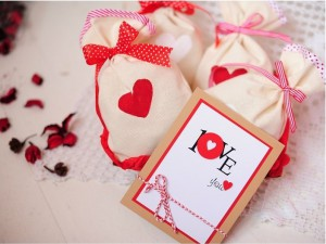 Подарок Подарочный набор 'Мішечки з коханням' (107880)