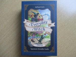 фото страниц Everyday Witch Tarot. Повседневное Таро ведьмы (78 карт и руководство) #3