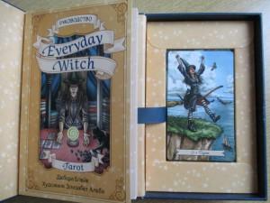 фото страниц Everyday Witch Tarot. Повседневное Таро ведьмы (78 карт и руководство) #6