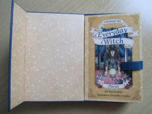 фото страниц Everyday Witch Tarot. Повседневное Таро ведьмы (78 карт и руководство) #5