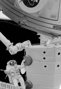 фото страниц Руководство астронавта по жизни на Земле. Чему научили меня 4000 часов на орбите #2