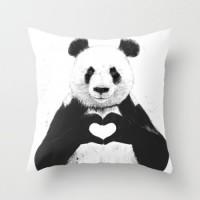 Подарок Оригинальная подушка 'All you need is love'