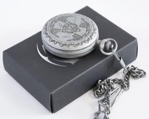 фото Коллекционные механические карманные часы Assassins Creed Unity #15