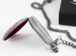 фото Коллекционные механические карманные часы Assassins Creed Unity #4