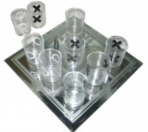 Подарок Игра-набор рюмок 'Крестики-Нолики'