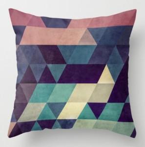 Подарок Интерьерная подушка 'Triangles'
