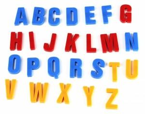 Набор магнитный `рус/англ/укр, буквы, цифры, математические знаки` (0703)