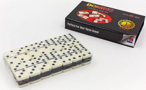 Настольная игра 'Домино' (в коробке с магнитом)