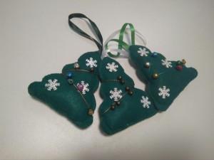 фото Елочная игрушка ручной работы 'Елка' (с колокольчиками) #2