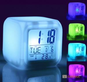 Подарок Часы 'Квадратик' меняющий цвет с термометром UFT Clock Kub