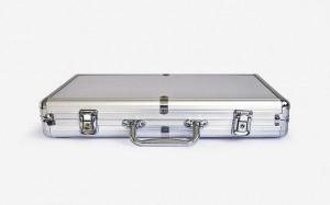 фото Покерный набор Johnshen Sports 300 фишек по 11.5 г (алюминиевый кейс) #2