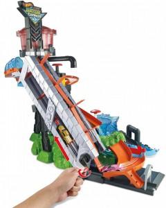 фото Игровой набор Hot Wheels 'Водонапорная башня' (FTB67) #2