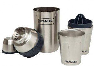 Набор туристической посуды Stanley `Adventure шейкер 0.59 л и 2 чашки 0.21 л' (6939236350006)