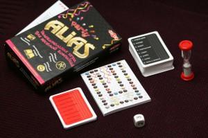фото Настольная игра Tactic 'Party Alias', Пати Алиас - дорожная версия (2857) #4