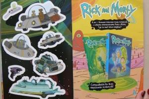 фото страниц Рик и Морти. Осквонченный журнал стикеров с новой обложкой #3