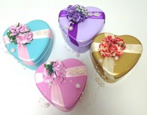 Подарок Жестяная подарочная коробочка 'Сердце'