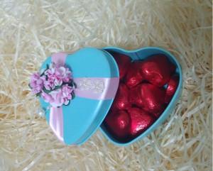 Подарок Суперкомплект 'Набор конфет-сердечек в подарочной коробочке'