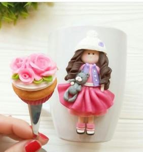 Подарок Подарочный набор из полимерной глины 'Девочка', чашка с ложечкой