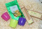 фото Подарунковий суперкомплект: набір 6 кольорових олівців з насінням рослин + 3 квіткових горщики + малиновий чай 'Кохай. Цінуй. Радій' #2