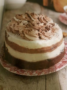 фото страниц Слоеное счастье. Кексы, брауни, рулеты, торты и чизкейки в 'полосочку' #12