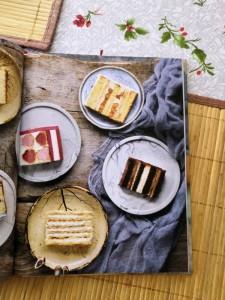 фото страниц Слоеное счастье. Кексы, брауни, рулеты, торты и чизкейки в 'полосочку' #9