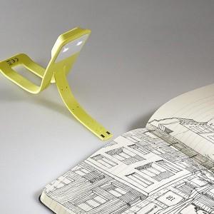 фото Лампа-закладка для книг Moleskine Booklight ,желтая (ER7BLM6) #4