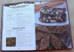 фото страниц Десерты без выпекания. Чизкейки, тирамису, панна-кота, желе и многое другое! #6