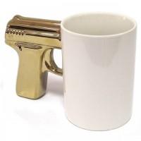 Подарок Чашка 'Пистолет' белая с золотой ручкой (top-701)