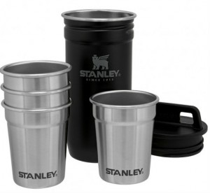 Набор Stanley Adventure Combo Matte Black: фляга 0.59 л и 4 рюмки (6939236348379)