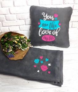 Подарочный набор: подушка + плед 'Love ofmy life' 21