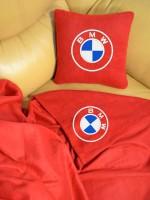 Подарок Плед-подушка автомобильный с вышивкой 'BMW', в чехле