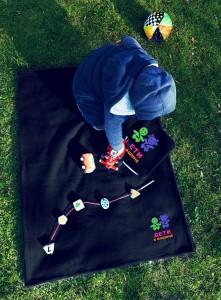 фото Детский плед с вышивкой 'Дети в машине' 09 #4