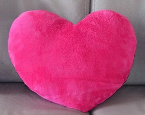 Подарок Подушка 'Сердце' малиновое