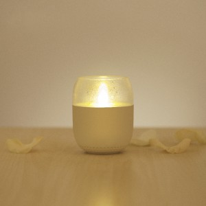 фото Смарт-Лампа UFT emoi H0042 Smart Lamp Speaker (H0042) #4