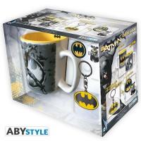 Подарок Подарочный набор DC Comics - Batman pack (чашка, брелок, знак Batman) (ABYPCK072)