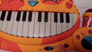 фото Музыкальная игрушка Battat 'Котофон' (BX1025Z) #5
